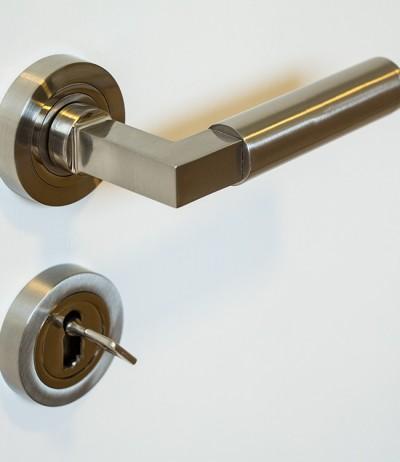 Türgriff Türdrücker Griff Drücker CC 1208 Rosette Rund Zinkdruckguss Metallunterkonstruktion BB PZ WC Detail
