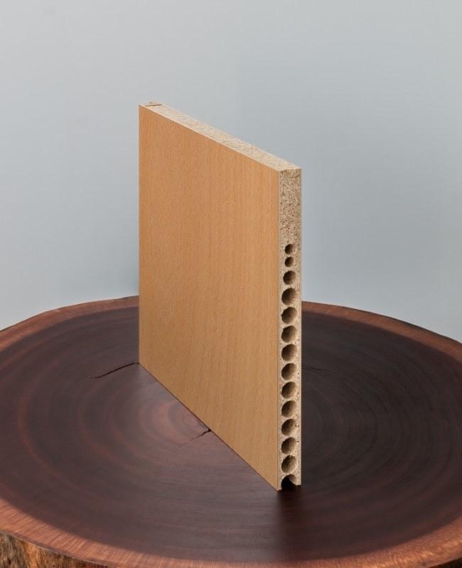 zimmert r innent r buche furniert mit schmalem lichtausschnitt schlossseitig rk. Black Bedroom Furniture Sets. Home Design Ideas
